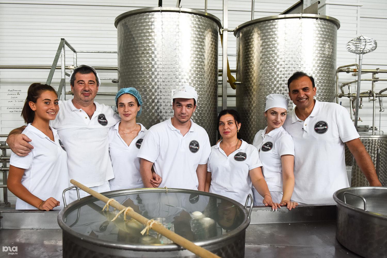 Работники цеха Graziella в Краснодаре