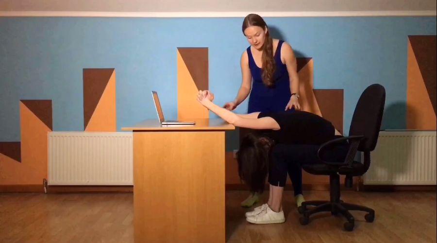 © Кадр из видео проекта «Йога-брейк»