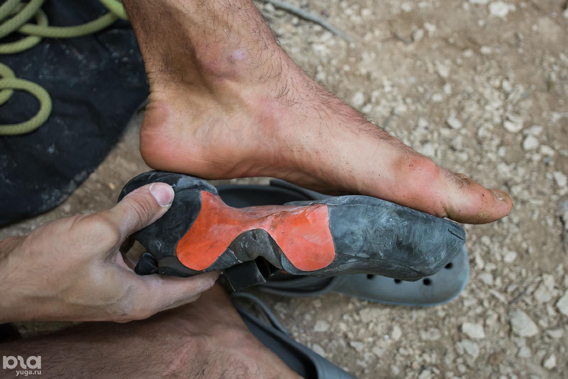 Сравнение размера ноги и обуви для скалолазания © Фото Елены Синеок, Юга.ру