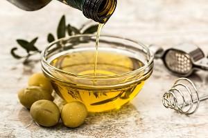 Оливковое масло ©Фото с сайта pixabay.com