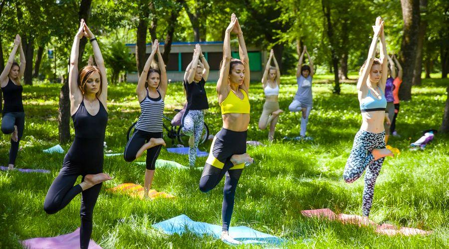 © Фото со страницы проекта «Йога в парках» во «Вконтакте»