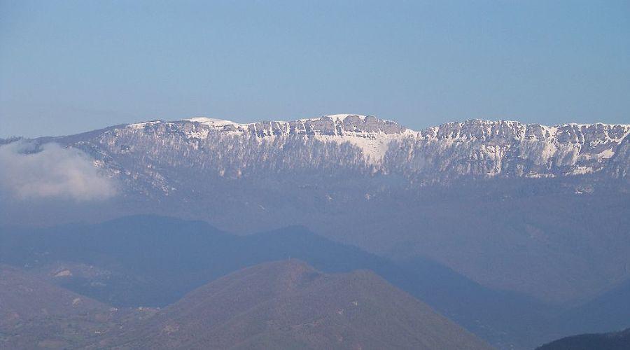 Рачинский хребет © Фото ჯაბა ლაბაძე с сайта commons.wikimedia.org