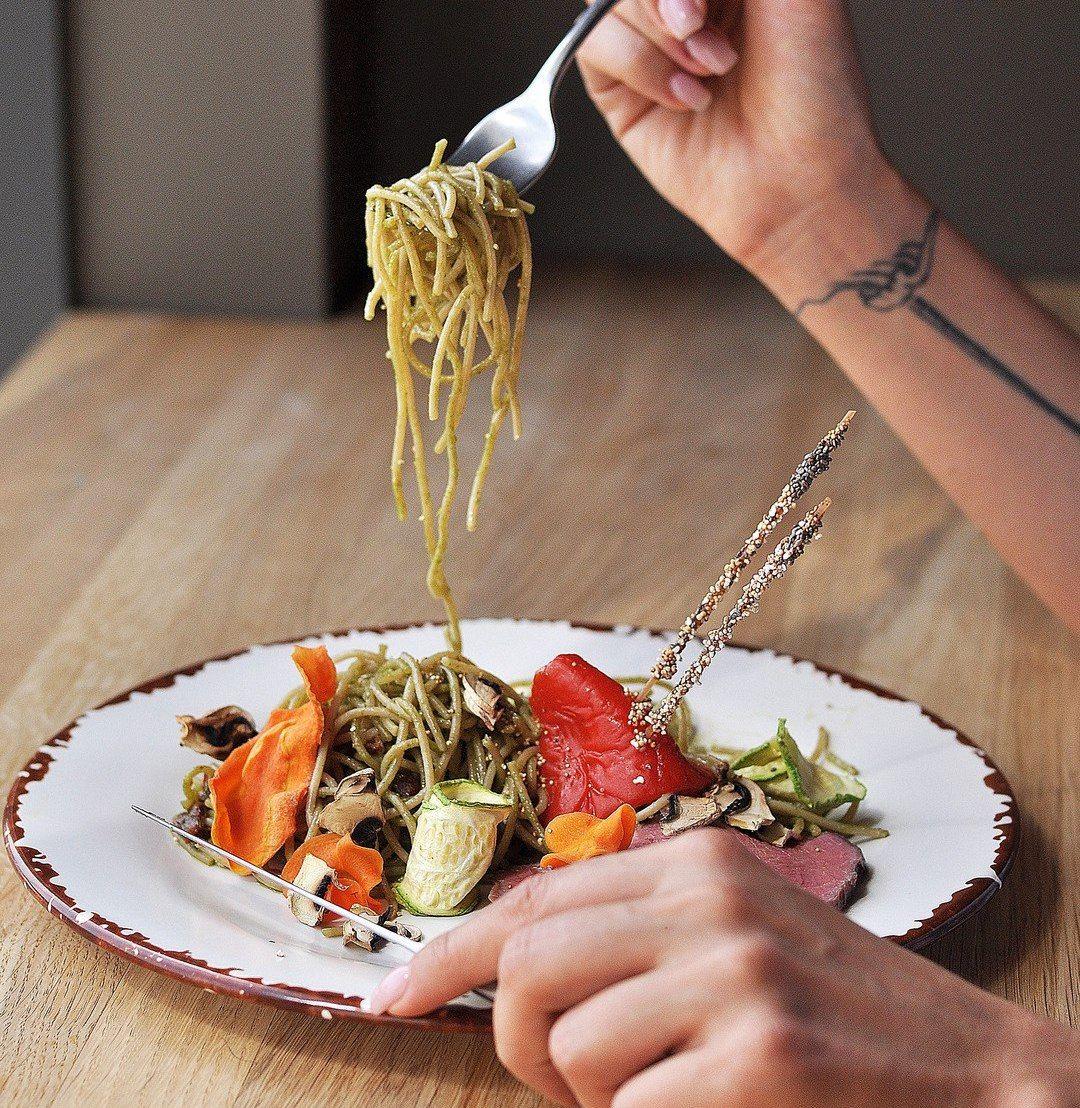 Спагетти с телятиной © Фото  предоставлено кафе-маркетом «Хорошая еда»