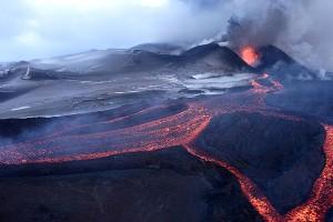 Извержение Плоского Толбачика ©Фото Александра Биченко