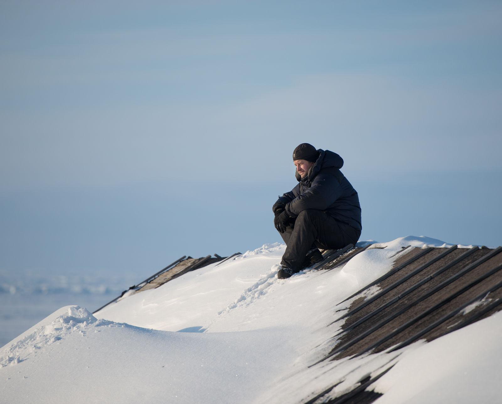 Заместитель директора по науке Института проблем экологии Сергей Найденко в экспедиции на о. Вайгач