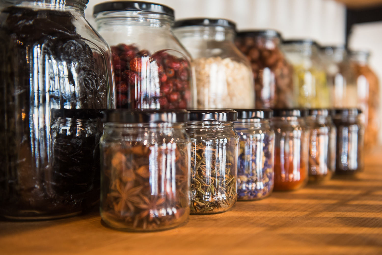 Интерьер кафе-маркета «Хорошая еда» © Фото Елены Синеок, Юга.ру